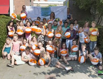 Video: Waterpoloster Mieke Cabout op Da Costaschool