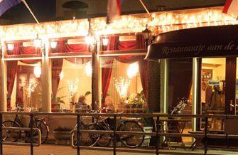 Restaurantje aan de Rijn