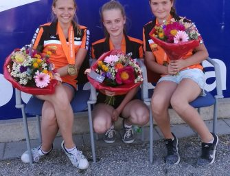 Weer podiumplaatsen voor de meisjes van Rooijen bij NK Petanque