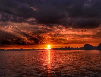 Prachtige zonsondergang in Bodegraven-Reeuwijk