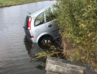 Auto deels te water in Bodegraven