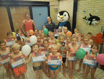 29 kinderen behalen zwemdiploma A bij Sportcentrum De Kuil