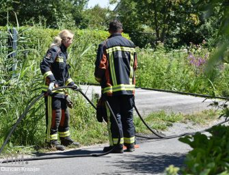Vuurkorf veroorzaakt brand in heg Twaalfmorgen Reeuwijk