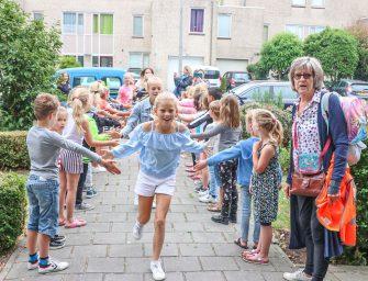Groep 8 Da Costa School viert allerlaatste schooldag