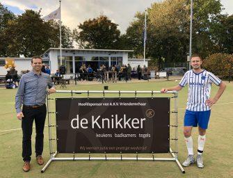 Hoofdsponsor De Knikker verlengt contract met Vriendenschaar