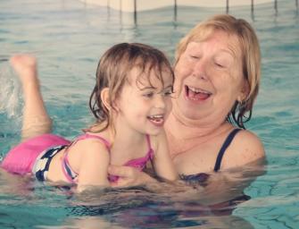 Video: Activiteiten in zwembad de Kuil