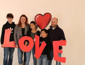 Hong Jie (12) en gezin uit Reeuwijk beleven 14 december een welverdiende Opkikkerdag