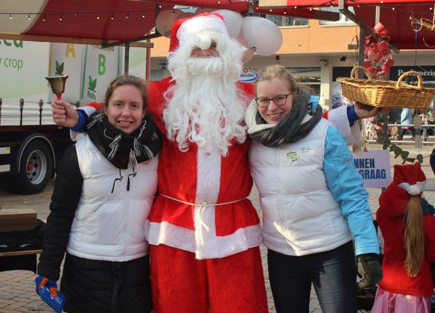 Gezellige kerstmarkt op Raadhuisplein