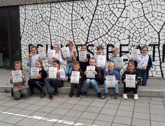 Prinses Beatrixschool reikt certificaten uit
