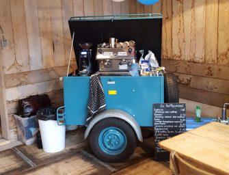 Koffie schenken bij station Bodegraven