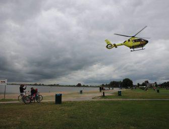 Traumahelikopter landt in Reeuwijk voor medische noodsituatie