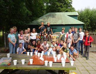Goede Herderschool groep 7a haalt 400 euro op voor de Oude Zustertuin