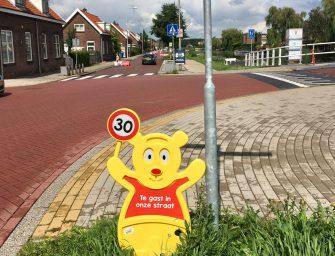 Bijvriendelijke plantenbakken en Traffic Teddies langs Raadhuisweg-Zoutmansweg