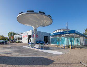 Openingsactie nieuw tankstation bij Vakgarage Bodegraven