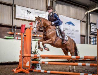 Puk Kempenaar wint opnieuw op Indoor bodegraven met pony Northside's Gabber