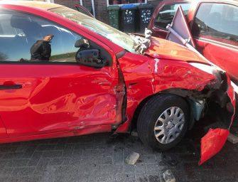 Dronken bestuurder ramt auto's