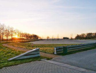 Parkeerplaatsen afgesloten bij Reeuwijkse Hout
