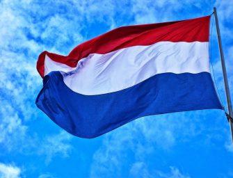 Oproep Nieuwerbrug: Vlag uithangen met Koningsdag en halfstok op 4 mei
