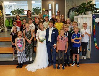 Bodegraafse juf en haar man vieren alsnog huwelijk met leerlingen
